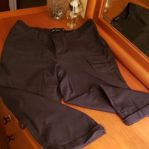 Lee relaxed fit capris, size 10